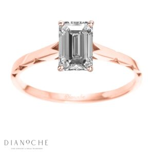 One diamond ring emerald cut Rose gold