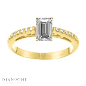 Designed diamond ring cushion cut yellow gold