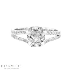 Round cut diamond ring in white gold